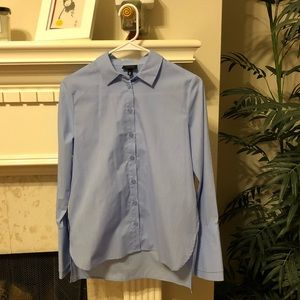 Classic bottom down shirt with bell cuff